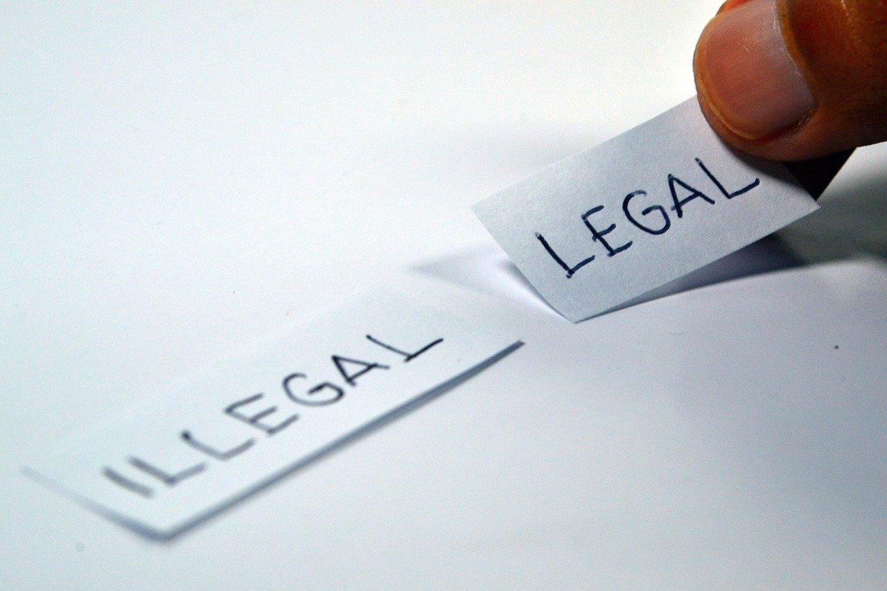 Réseaux sociaux - Illegal - legal
